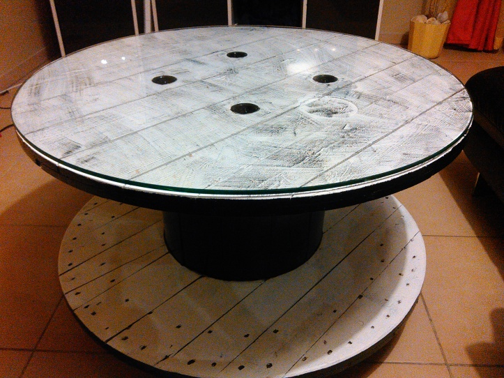 Comment customiser un touret en table basse by sebricole for Peindre une table basse