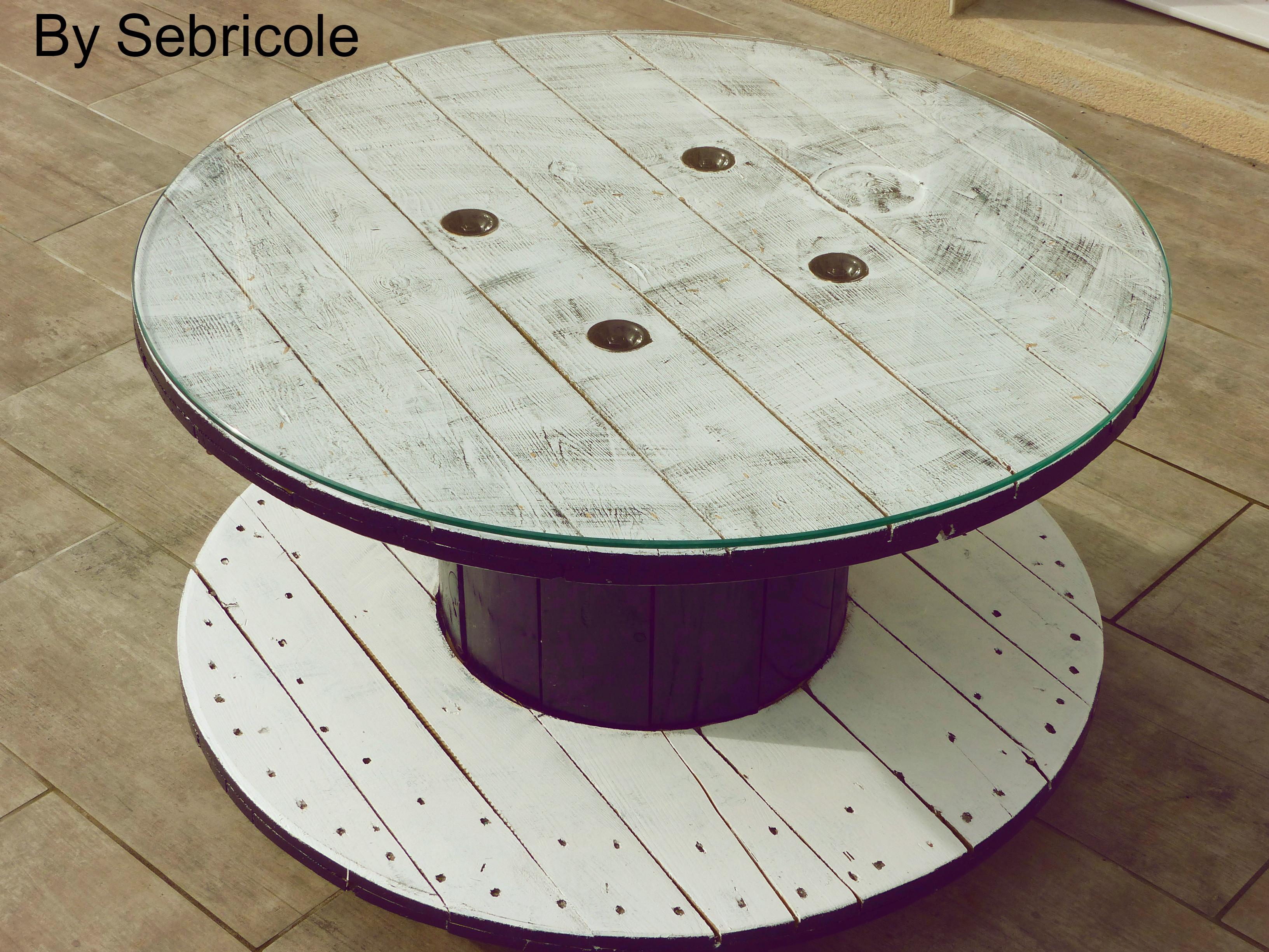 customiser une bobine de cable fashion designs. Black Bedroom Furniture Sets. Home Design Ideas